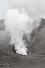 A look into the volcano (Hans Makkee) Tags: bromo volcano tengercaldera crater java indonesia