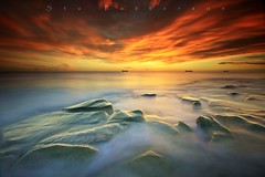 There is beauty up above (Stu Patterson) Tags: stu patterson sunrise seascape whitley bay beach
