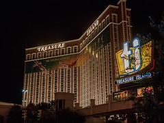 Las Vegas Strip (Anthony's Olympus Adventures) Tags: treasureisland casino hotelcasino hotel building lasvegas lasvegassightseeing lasvegaslandmarks lasvegasboulevard lasvegasstrip nevada nv usa america strip night nightime nightscene afterdark dark lights
