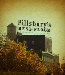 Pillsbury's (Pete Zarria) Tags: minnesota nature landscape fall urban mississippiriver scaffold sign flour mill