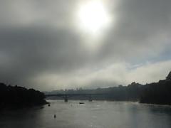 Rhein an einem Oktobermorgen (thobern1) Tags: basel bale rhein rhin river fluss strom brcke nebel fog oktober