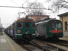 ALe 803 & ALe 582---Leggeri a confronto (Giacomo Casabianca---JackE656) Tags: lombardia treno trenitalia chiavenna ferrovia valchiavenna ale582 elettromotrici ale803 trenord