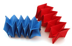 Fujimoto Square Spring (Pliages et vagabondages) Tags: playing origami with creative invitation fujimoto