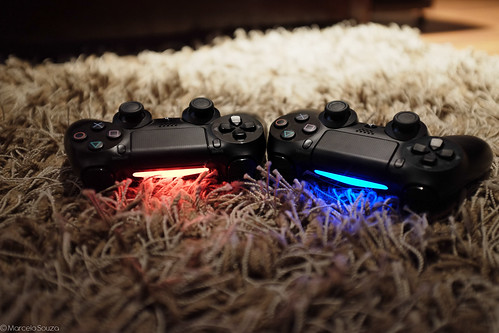 "Double fun ! Ps4 DualShock • <a style=""font-size:0.8em;"" href=""http://www.flickr.com/photos/10661575@N00/15816129257/"" target=""_blank"">View on Flickr</a>"