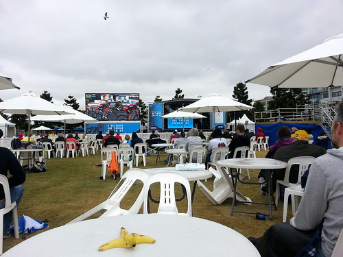 Sitting around in the drizzle at Geelong, watching the Cadel Evans Great Ocean Road race