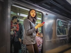 Flushing - Main Street Station, 7 Train, Terminus Platform 2014.12.25 (NYC Subway Rider) Tags: street woman station subway mainstreet chinatown candid mta masstransit hdr 7train flushing terminus nycta