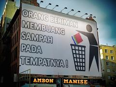 Di Ambon, Buang Sampah Sembarangan Didenda 50 Juta! (ismanuputty) Tags: maluku ambon sampah kebersihan sembarangan