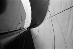 (monsieur be) Tags: nikon sailing d76 hp5 bateau voile ilford fa purée