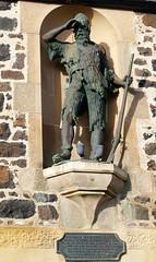 Alexander Selkirk (tracymaureensiobhan) Tags: history statue fife birthplace selkirk crusoe robinsoncrusoe lowerlargo alexanderselkirk