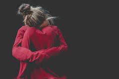 56/365 {J} (ELENA Vé...) Tags: red rojo jersey suéter