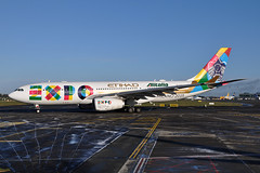 A6-EYH A330-243  Etihad Airways (n707pm) Tags: ireland airplane airport aircraft airline airbus airlines dub a330 etihadairways alitalia dublinairport ey speciallivery eidw a6eyh expo2015 milanoexpo2015 cn729
