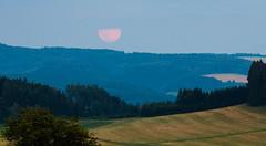 Ukousnut msc (Honzinus) Tags: msc moon moonrise vchod msce orlick podh czech echy esko esk republika venkov countryside pole louky fields summer lto letn veer evening