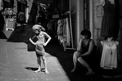 Riva del Garda. (tugnoz) Tags: fujix xpro2 fujifilm streetphotography reportage street lago garda monochrome monocromo bw biancoenero bnw