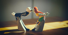 Jack and Sally (cuppyuppycake) Tags: christmas sunlight jack kissing happiness before sally nightmare