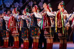 2016-05-14_Dance_034730 (l0pht) Tags: barvinochok dance ukraine art attractive clothes concert costume dancer embroidery ensemble ethnic folk kyiv many national performance performer pretty red show stage tradition ukrainian young