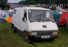 Renault  Master (Lawrence Peregrine-Trousers) Tags: irish festival renault master spots spotted van northern camper reg registration mk1 ffffffffff nault autoshite