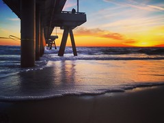 Oh Lil pier #surfing #waves #sunset #surfer #venicebeach #venice_sunsets #california_igers #california #losangeles  #nature #zen #soul #relax #chill #wavestorm #surfergirl #photography #landscape #pier (Wild_Lense) Tags: california sunset nature relax landscape photography pier losangeles waves surfer surfing zen soul venicebeach chill surfergirl wavestorm venicesunsets californiaigers