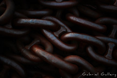 Chains (Gabri & Photograph) Tags: bilbao spain basque country shadow gloom chains chain cadena oxido oxide contrast
