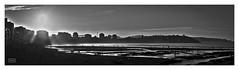 Verano tardo/ Late summer (Jose Antonio. 62) Tags: spain espaa asturias gijn beautiful bw blancoynegro blackandwhite beach playa silhouette silueta backlight contraluz city ciudad wow