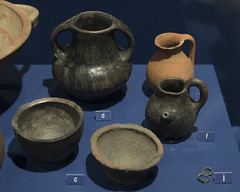 Ceramics from Tomb 55 at Via Madonna delle Grazie, Stabiae (diffendale) Tags: italy italia 6thcbce pleiades:findspot=433128 stabiae archaic museum museo muse   archaeological archeologico artifact display exhibit arkeoloji mzesi ancient antico tomb tomba grave burial human necropolis cemetery tombe tombeau spulture grab tumba sepultura