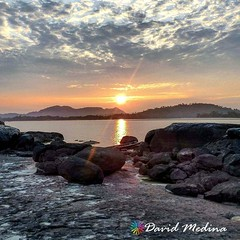 . @Regrann del día para @davidlmedinac - Un rayo de luz sobre el río Orinoco, da cuenta del amanecer en la inspección de Garcitas en el Oriente Colombiano departamento del #Vichada #Colombia #viajaxvichada #viajaxcolombia #enmicolombia #igerscolombia #Tur (EnMiColombia.com) Tags: foto regrann del día para davidlmedinac un rayo de luz sobre el río orinoco da cuenta amanecer en la inspección garcitas oriente colombiano departamento vichada colombia viajaxvichada viajaxcolombia igerscolombia turistic galeriaco colombiaesrealismomagico iglatino iglatinoamerica thisisincolombia agua fotodeldia biodiversidad sinfiltros travelblogger travel