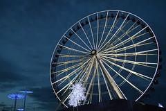 La estrella de luz. Hermosa ciudad de Puebla (moontesa) Tags: ferris wheel rueda de la fortuna puebla estrella luz dark lights