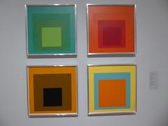 Josef Albers - Homage to the Squares (c_nilsen) Tags: sanfrancisco california digital digitalphoto sanfranciscomuseumofmodernart museum art josefalberts painting