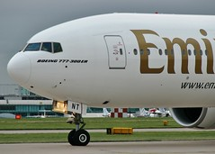 A6-ENT (AnDrEwMHoLdEn) Tags: manchester airport emirates 777 manchesterairport egcc 23l