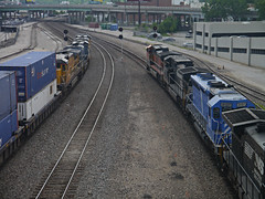 Race to Santa Fe Junction (daniellarabee33) Tags: bridge house up station ns union amtrak kc freight bnsf csx cefx intemodal
