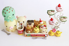 Happy Birthday! (hajilelihp) Tags: miniatures hellokitty kawaii rement rilakkuma korilakkuma kiiroitori takochu