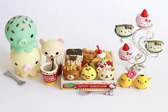 Happy Birthday! (hajilelihp) Tags: miniatures hellokitty kawaii rement rilakkuma korilakkuma kiiroitori takochu