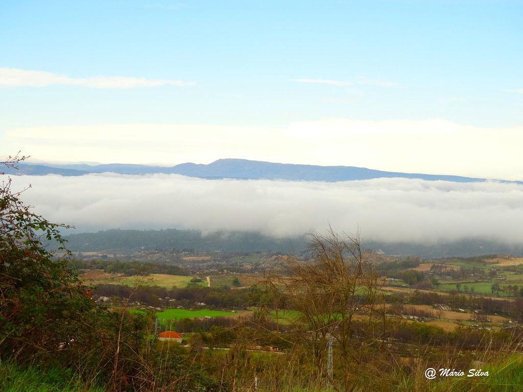 Águas Frias (Chaves) - ... a névoa cobre o vale ...