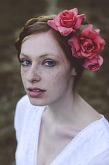 Girl with Roses (Andrea Peipe) Tags: autumn roses woman beautiful munich nikon whitedress mysecretgarden