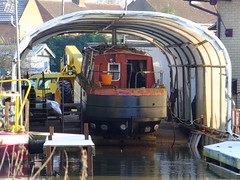 Dry dock (stevenbrandist) Tags: marina river canal dock jcb dry cover repair maintenance barge watermeadcountrypark overhaul birstall thurmaston mgmboats
