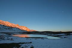 Lunar landscape at Campo Imperatore (luigig75) Tags: sunset italy moon lake mountains canon lago italia tramonto luna gran montain 1022 abruzzo sasso canonefs1022mmf3545usm campoimperatore 70d parconazionaledelgransassoemontidellalaga brancastello torridicasanova infornace pietranzoni