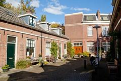 Utrecht - Moesstraat (grotevriendelijkereus) Tags: road street city holland netherlands town alley utrecht nederland center historic inner centrum stad straat historisch steeg binnenstad