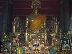 Wat Mai Buddha Offerings