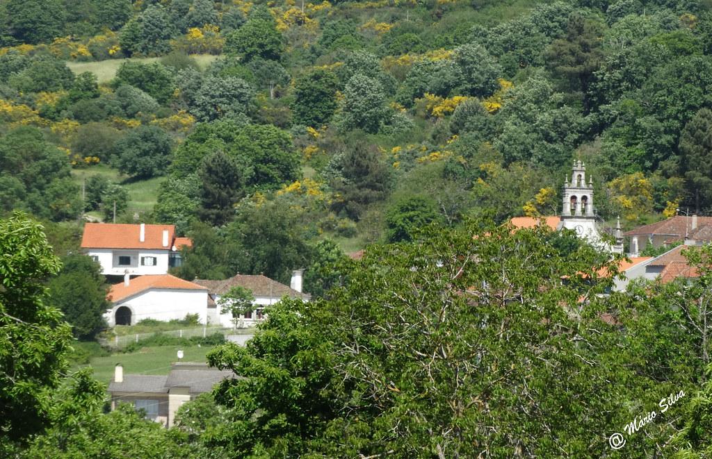 Águas Frias (Chaves) - ... Aldeia além das árvores ...