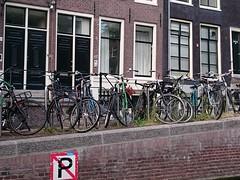Paseerplaats (:-) LR) Tags: amsterdam canal thenetherlands bicycles grachten fietsen noordholland amsterdamsegrachten
