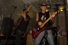 3 AL HILO (paulmayca) Tags: light music art luz peru drums concert arte lima guitar performingarts per musica vocals conciertos iluminacion independentart artesescnicas 3alhilo musicaindependiente arteindependiente