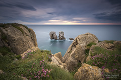 La Puerta (PITUSA 2) Tags: lapuerta liencres cantabria atardecer paisaje piedras cantabrico mar elsabustomagdalena pitusa2 largaexposicin naturaleza costaquebrada lanoche acantilado brisa