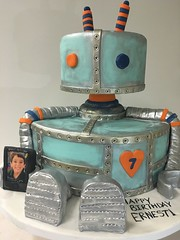 Robot cake (4574) (Asweetdesign) Tags: robot cake edible image blue green gray orange happy birthday