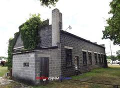 An Old Garage (dfirecop) Tags: old pennsylvania garage pa carlisle 1100 autosales harrisburgpike dfirecop lwmentzer