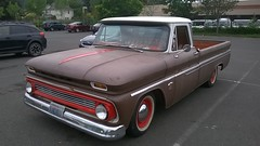 Chevrolet C 10 (Chevrolet Wagoneer's) Tags: 97203 st johns stjohns saintjohns safeway parking lot 503 pacific northwest pacificnorthwest pnw pdx north portland oregon northportland chevrolet chevy c10 pickup pick up truck 1960s 60s era gm general motors classic vintage vehicle