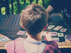 Playing<>Jouer ! (France-) Tags: 25 jouer garon boy fun summer table cartes candid skipbo card