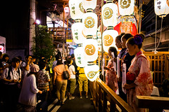 The season is coming #5 (Kyoto) (Marser) Tags: xt10 fuji raw lightroom japan kyoto gionfestival nightview lantern people festival