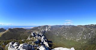 Kiza (1278 m), Dabarski kukovi, Park prirode Velebit, Hrvatska / Kiza (1278 m), Dabar Cliffs, Velebit Nature Park, Croatia