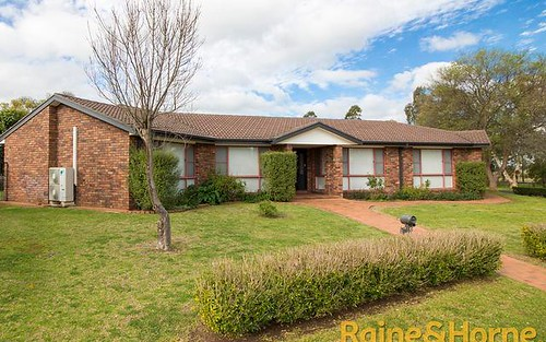 1 Treverrow Court, Dubbo NSW 2830