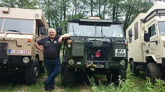 one of us is overweight  :-) (Pinkrover M6IOI , Check out my albums) Tags: green control offroad 4x4 rover 101 land fc landrover v8 forward offroading lanes greenlaning forwardcontrol 101fc exarmy landrover101 landrover101forwardcontrol landrover101fc radiobody landroverforward 101radiobody landrover101radiobody landroverfc101 101radiobodyfc