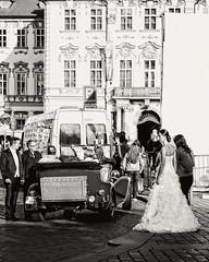 _23A7404 (Sandra Sturkenboom) Tags: street wedding white black bride zwart wit praag bruiloft bruid